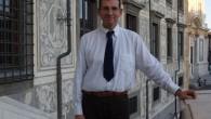 Ordinario di Analisi Matematica alla Scuola Normale, il prof. Ambrosio è uno dei 21 matematici da tutto il mondo, unico italiano, le cui ricerche sono state giudicate di così alta rilevanza scientifica da meritare l'onore della relazione plenaria al congresso, che ha luogo una volta ogni 4 anni ed è il più importante a livello internazionale per quanto riguarda la matematica.