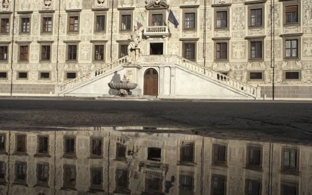 Il direttore della Scuola Normale di Pisa, Fabio Beltram e il direttore della Scuola Superiore di Studi Avanzati della Sapienza Università di Roma Alessandro Schiesaro, hanno siglato un importante accordo per promuovere la mobilità dei rispettivi allievi e docenti. L'obiettivo è ampliare l'offerta formativa e di ricerca di entrambe le Scuole.