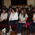 """Cinque giovanissime studentesse con il sogno di fare le ricercatrici. Sono state selezionate dalla Scuola Normale con il concorso nazionale """"Un giorno da ricercatore"""", iniziativa indetta per la prima volta quest'anno nell'ambito del progetto Vis (Immersioni Virtuali nella Scienza)."""