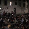 """Il primo esperimento delle conferenze """"Arte e Scienza scendono in piazza"""", pensate per offrire ai cittadini momenti di approfondimento culturale nella Piazza dei Cavalieri è pienamente riuscito. Oltre 130 persone si sono fermate dalle 21.30 a mezzanotte per ascoltare un dialogo ricco di spunti (VIDEO DELLA CONFERENZA)."""
